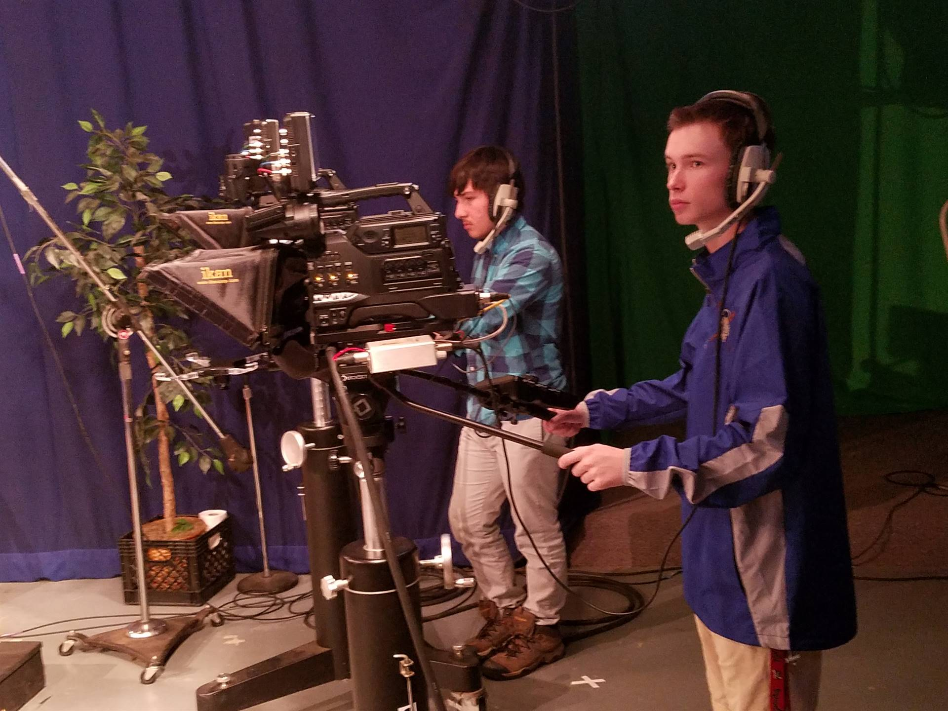 Stem students Learning about mass communication